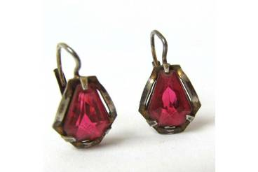 Vintage Earrings Red Color Stone Gold Plated Frame Antique Ladies Jewelry