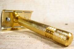 """SOLUNA"" Vintage Safety Double Edge Shave Razor Boxed Gold Aluminum Handle"
