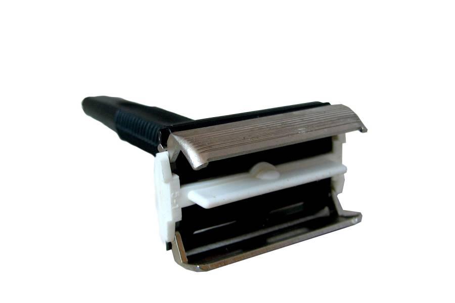 ISKRA Vintage Safety Shave Razor DE Mint NOS Rare Car Eddition