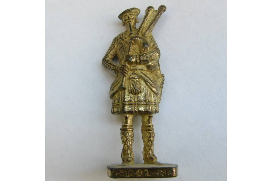 Scot 3 Kinder Surprise Metal Soldier Figurine